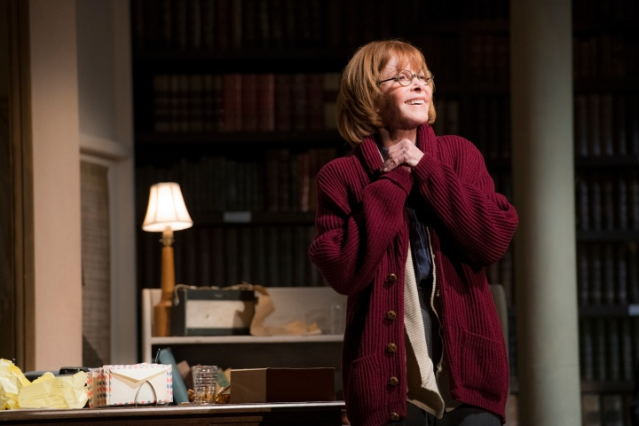 2. Stefanie Powers as Helene Hanff_photoRichardHubertSmith