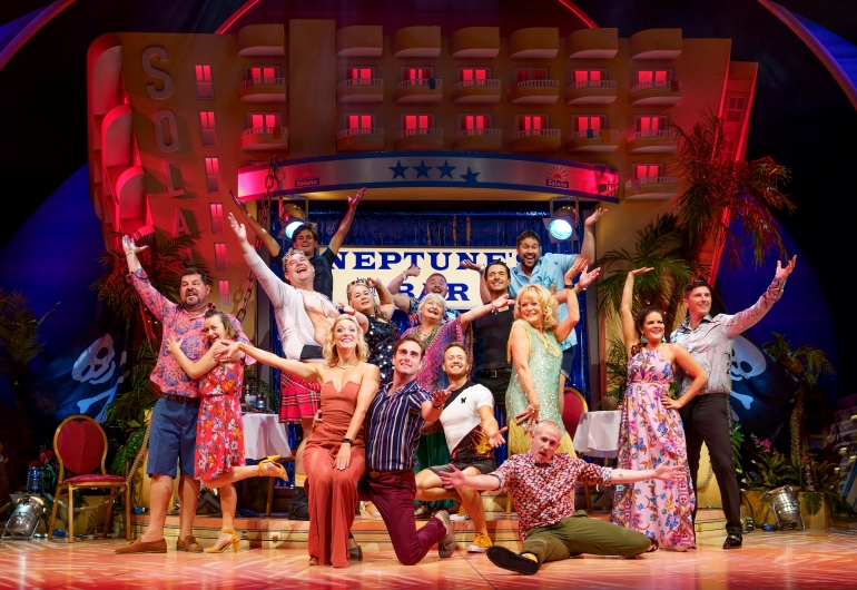 19. BENIDORM LIVE. Sherrie Hewson 'Joyce Temple-Savage' and Company. Photo Paul Coltas.